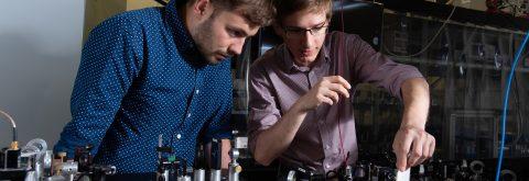 Doskonale wyposażone laboratoria optyczne